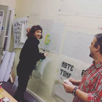 nick-garrett-signwriting-courses-people-just-have-fun-learning-the-right-way-4