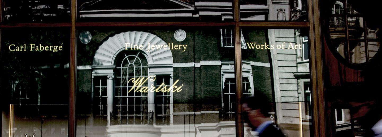 cropped-wartski-glass-gilding-traditional-signwriting-gold-leaf-lettering-by-nick-garrett-london-signwriter-1.jpg