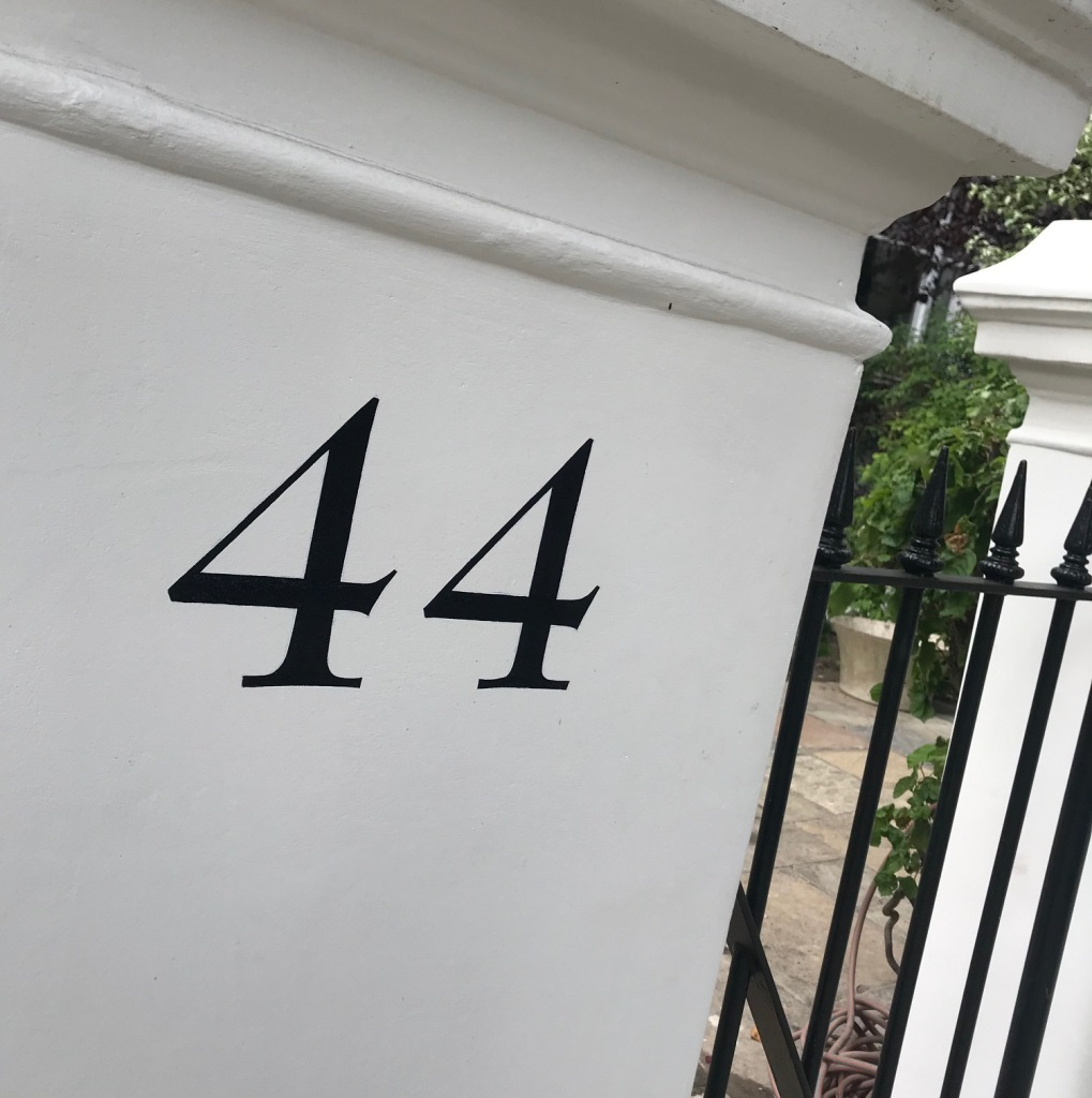 We paint classically styled house numbers suitable for listed buildings.
